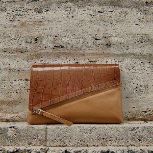 Barna egyedi táska kézitáska borítéktáska krokodil mintás cserélhető fedéllel (1)